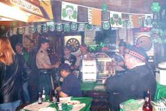 2003postfestatpups02