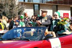 2007parade-irishmanandrose