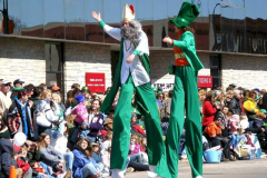 2007parade-stilts